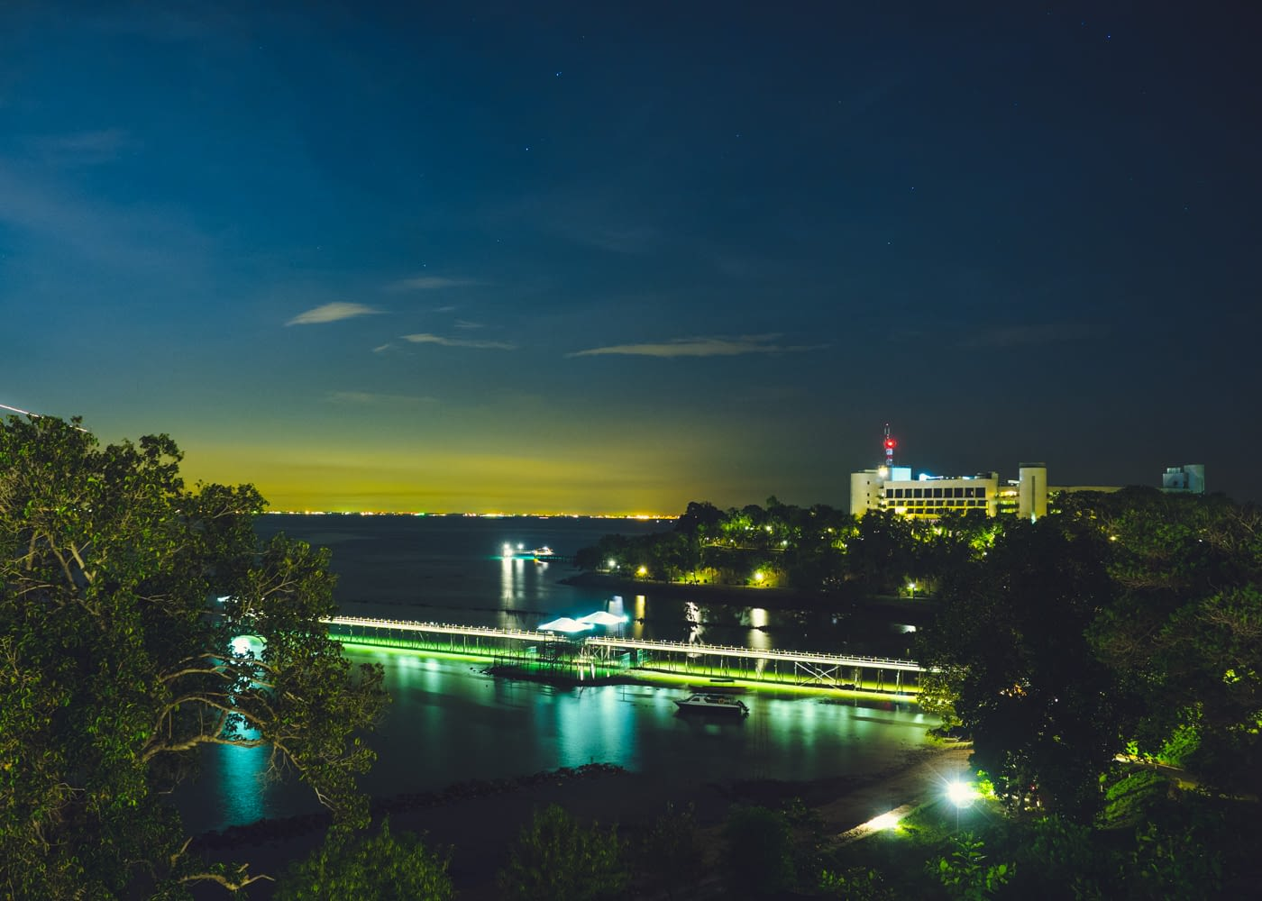 Indonesia - Montigo - Night view of the bridge and sea