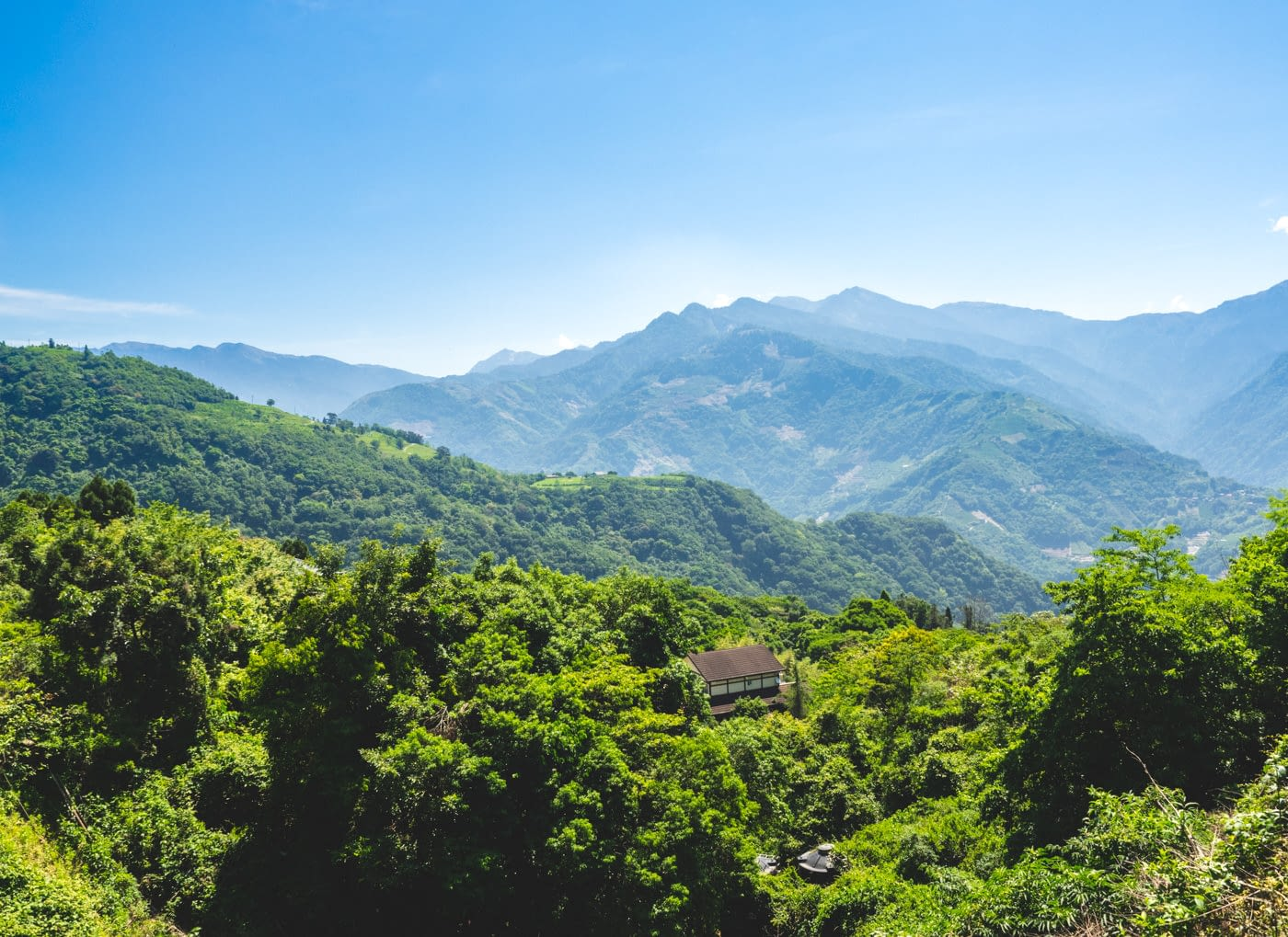 Taiwan - Qingjing - Overlooking a lonely house