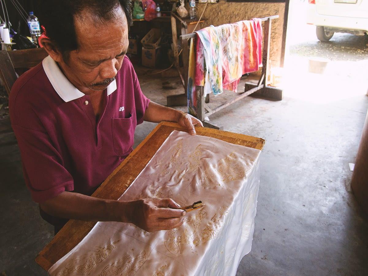 76_bali_batik_making
