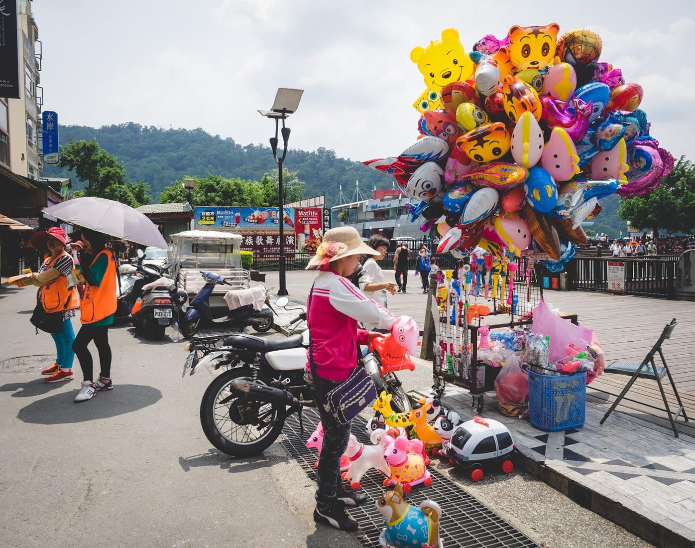 Taiwan - Nantou City - Random popup stall selling balloon