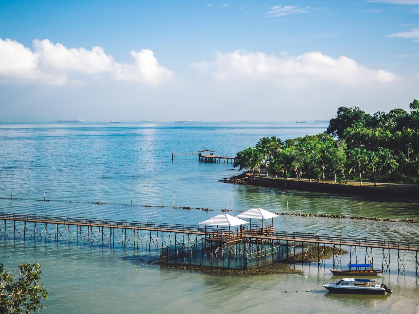 Indonesia - Montigo - Shades of blue & green