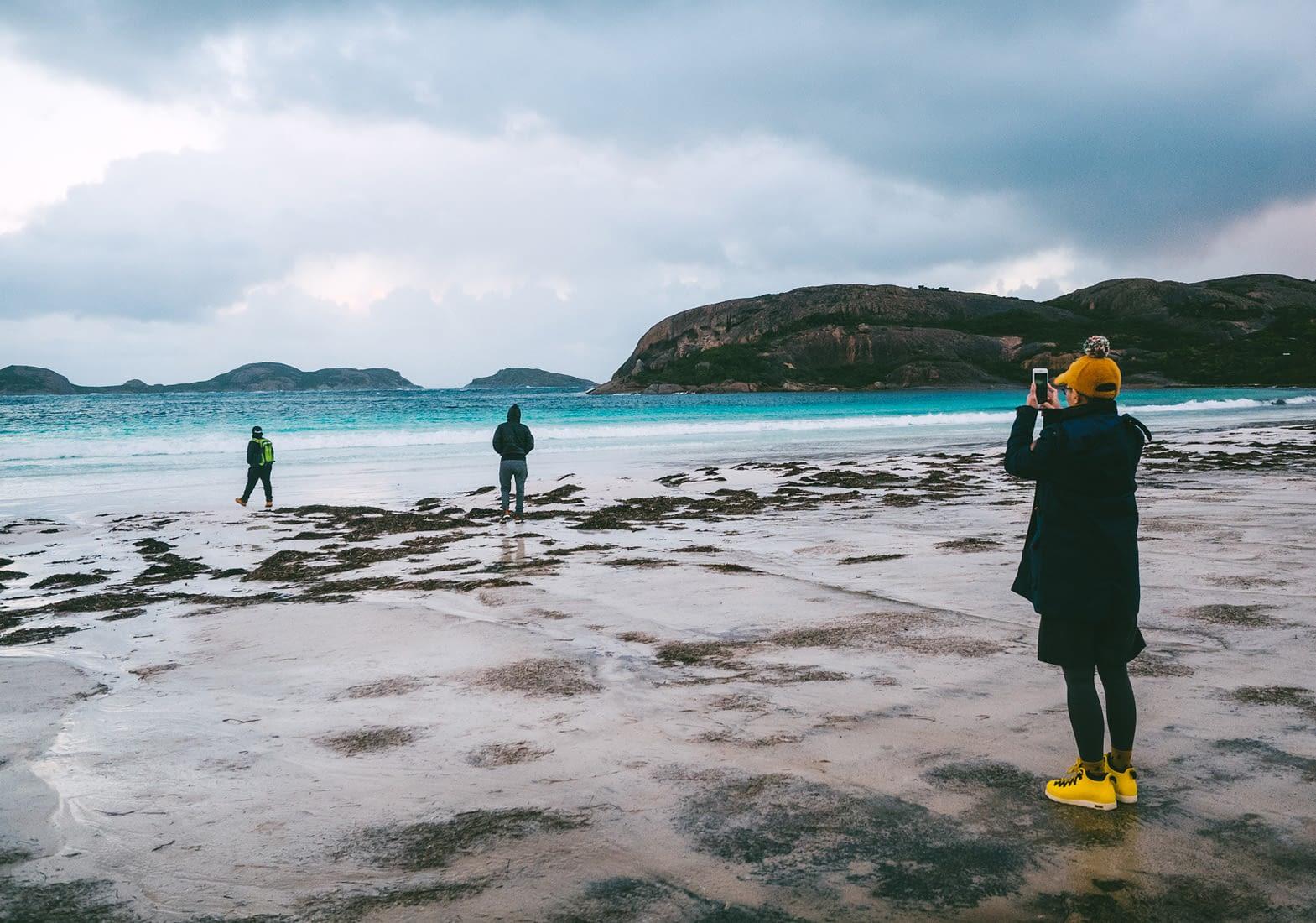 Perth - Esperance - Photo taking at Lucky Bay