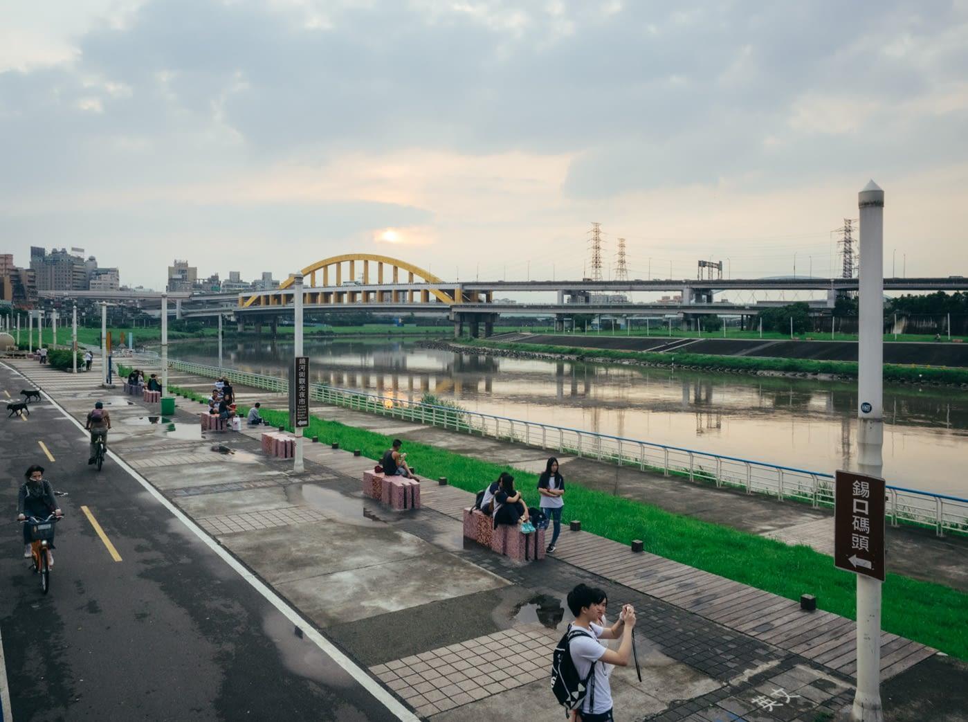 Taiwan - Shifen - Rainbow bridge