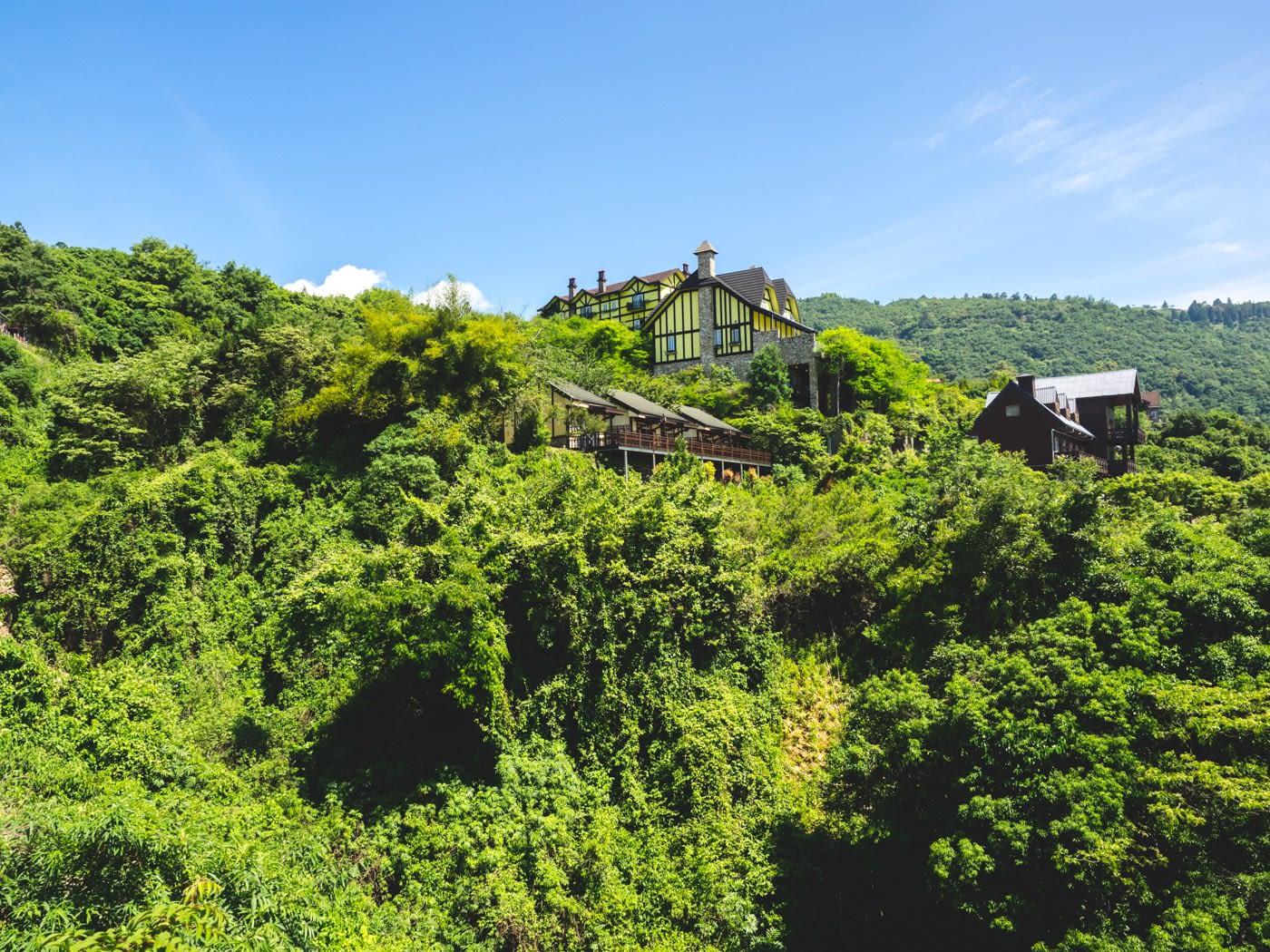 Taiwan - Qingjing - Yellow stripe house visually pleasing